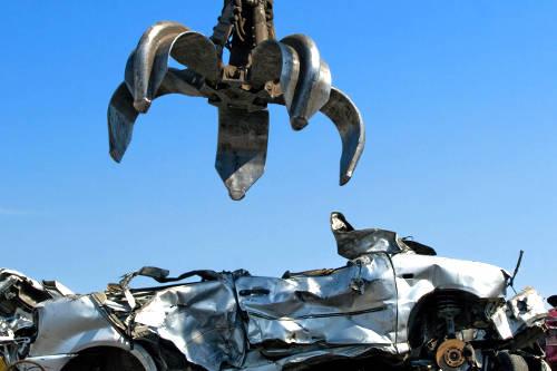 servizio-pratiche-demolizioni-auto