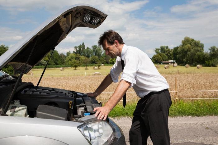 Controlli Auto Prima Di Partire Per Vacanze